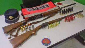I fucili e le munizioni sequestrate