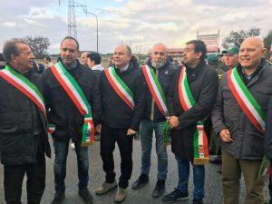 Civitavecchia - La protesta dei sindaci contro i rifiuti da Roma