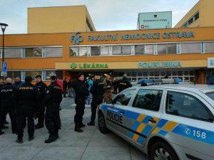Ostrava - Sparatoria in ospedale, almeno 6 morti