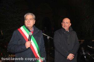Viterbo - Il sindaco Arena e il prefetto Bruno all'accensione dell'albero di Natale a piazza del Comune