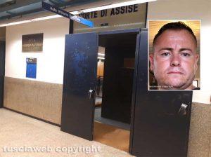"""Mafia Viterbese - L'aula """"Occorsio"""" dove si è tenuto l'udienza preliminare e nel riquadro Ismail Rebeshi, uno degli indagati"""