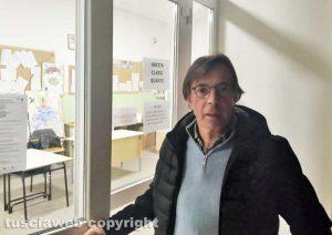 Orte - Crolla il controsoffitto della palestra della scuola elementare - Il sindaco Angelo Giuliani