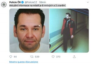 Il Tweet della polizia che ha diffuso l'immagine del presunto autore della sparatoria nell'ospedale di Ostrava