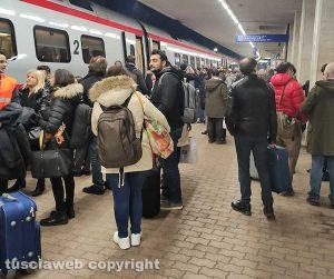 Orte - Pendolari affollano la stazione