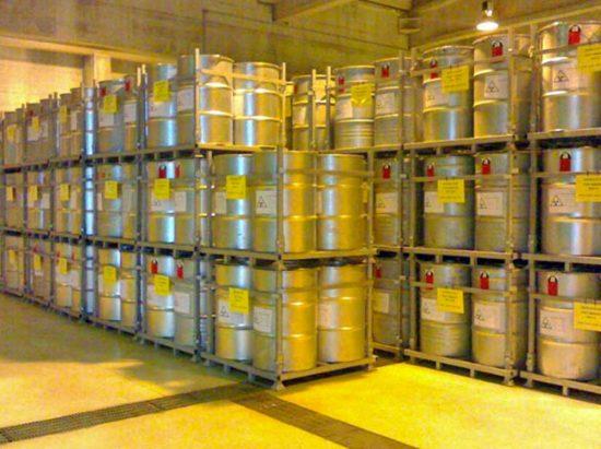 Isin - Fusti con rifiuti radioattivi