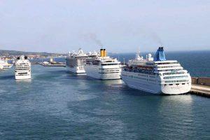 Navi al porto di Civitavecchia