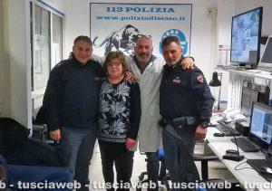 Viterbo - Anziana sola la notte di Natale, i poliziotti vanno a casa a farle compagnia