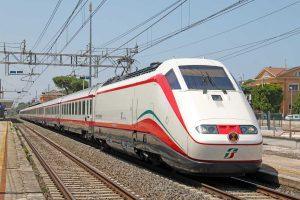 Un treno Frecciabianca