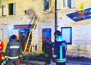 Sorvegliano - Incendio in un'abitazione, morta bambina di 7 anni