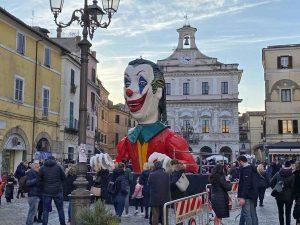 Civita Castellana - Carnevale, il Puccio in piazza