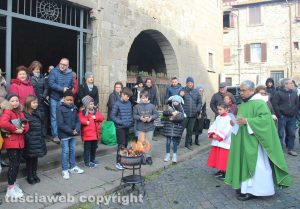 Viterbo - Sant'Antonio Abate, la benedizione degli animali a Pianoscarano