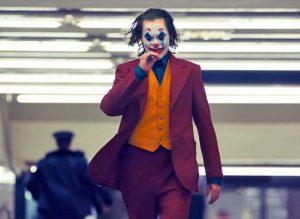 Una scena di Joker, il film con Joaquin Phoenix