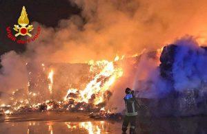 Torino - L'incendio nello stabilimento di riciclo dei rifiuti