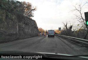 Viterbo - Il semaforo e i lavori sulla Cassia