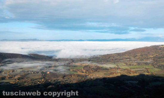 Montefiascone - Le nuvole sopra il lago di Bolsena