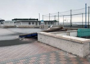 Tarquinia - Maltempo - L'insegna del Tibidabo abbattuta dal vento