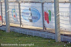 Sport - Calcio - Viterbese - La base per i led pubblicitari