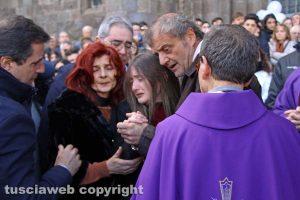 Montefiascone - I funerali di Aurora Grazini - I genitori e la sorella
