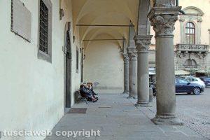 Viterbo - I portici di Palazzo dei Priori