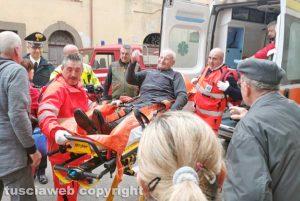 Capodimonte - Anziano cade nel pozzo