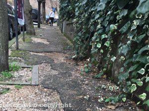 Caratteristici marciapiedi di via Montegrappa