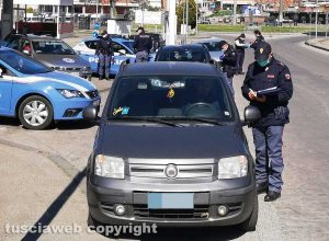 Viterbo - Coronavirus - I controlli della polizia a via della Palazzina