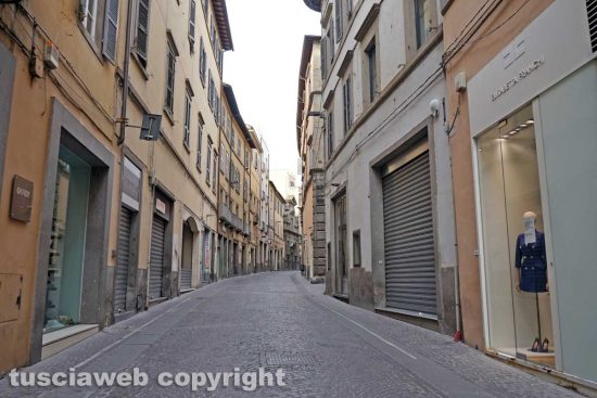 Viterbo - Coronavirus - La tabaccheria in Corso Italia