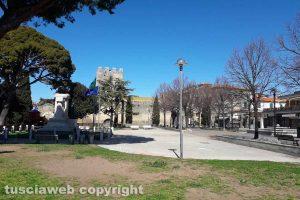 Tarquinia deserta - Il giardino di Piazzale Europa