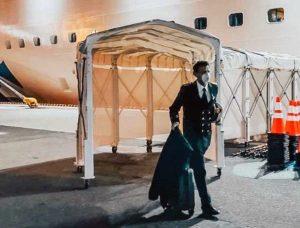 Yokohama - Gennaro Arma lascia la Diamond Princess