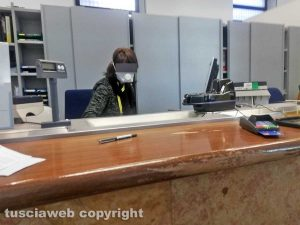 Viterbo - Coronavirus - I dipendenti delle Poste al lavoro