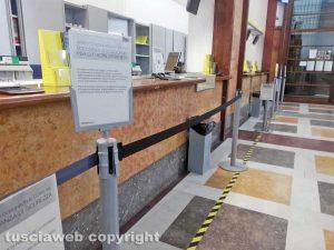 Viterbo - Coronavirus - La distanza di sicurezza alle Poste