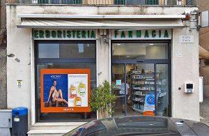 Tuscania - La farmacia Ventura di piazza Italia