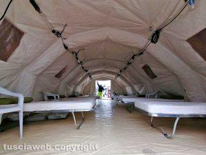Civitavecchia - Nuova tenda all'esterno dell'ospedale San Paolo