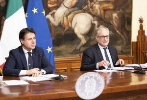 Il presidente Conte e il ministro Gualtieri