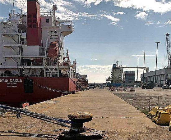 Civitavecchia - Nave al porto
