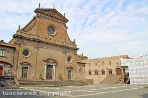 Viterbo - Piazza San Lorenzo