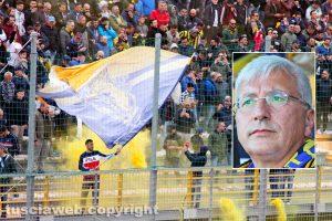 Sport - Calcio - Viterbese - La curva gialloblù - Nel riquadro: il presidente Marco Romano