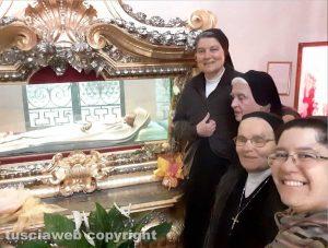 Monastero di Santa Rosa - Gli auguri delle suore alcantarine per la domenica delle palme