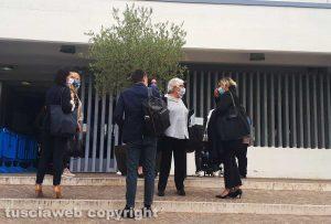 I parenti di Andrea Landolfi con i difensori Daniele Fabrizi e Serena Gasperini