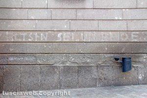 Viterbo - Scritte politiche sui muri