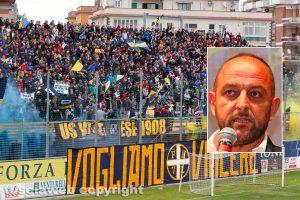 Sport - Calcio - Viterbese - La curva gialloblù - Nel riquadro: Diego Foresti