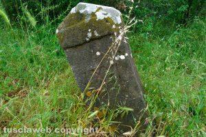Bolsena - Una delle pietre miliari sulla Cassia
