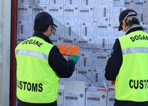 Civitavecchia - Sdoganati 7,4 milioni di guanti