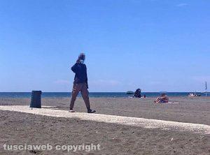 Montalto di Castro - Gli ambulanti in spiaggia