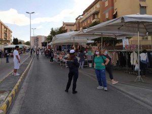 Civitavecchia - Il mercato in via Nenni