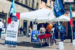 Viterbo - La campagna di tesseramento di Fratelli d'Italia