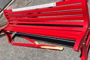 Vitorchiano - Spaccata la panchina rossa dedicata alle donne vittime di violenza