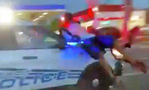 Detroit - Manifestanti travolti dalla polizia