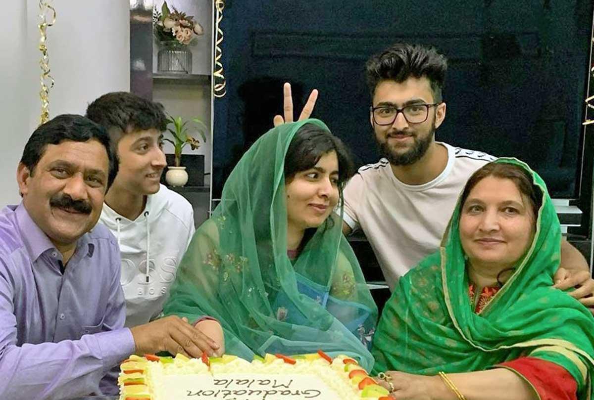 Malala realizza il suo sogno: si laurea a Oxford