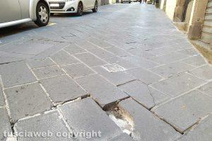 Montefiascone - La pavimentazione a corso Cavour